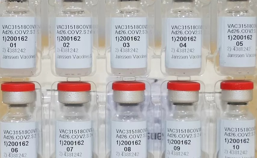 A previsão é que o primeiro lote de vacinas contra Covid-19 da Janssen chega ao Ceará na próxima semana. - Foto: Johnson & Johnson via AP