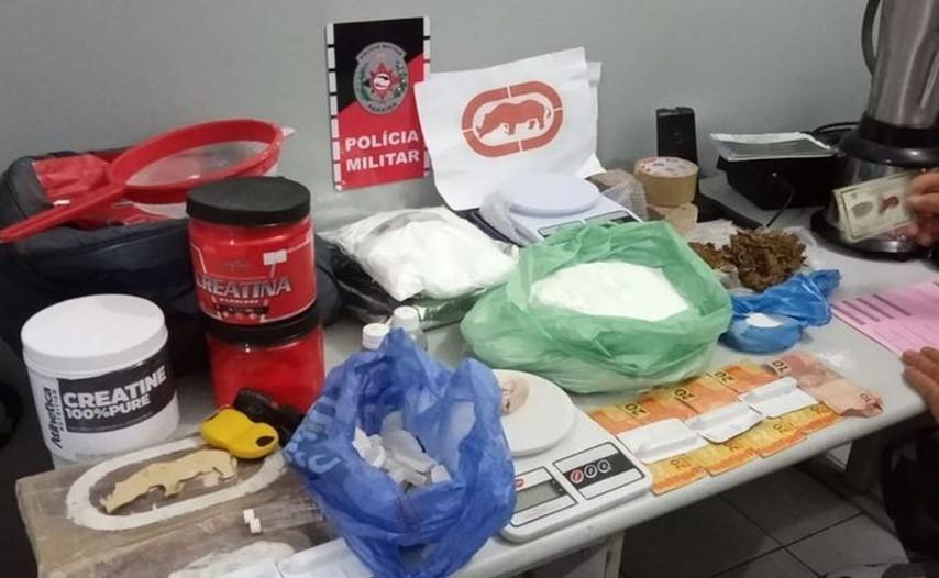 O material e o homem preso foram encaminhados para a 6ª Delegacia Distrital, em Santa Rita. (Foto: Reprodução)